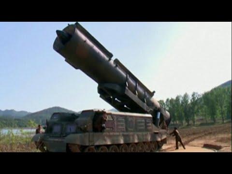 Северная Корея запустила две баллистические ракеты.