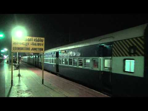 Nilagiri exp leaving & Cheran exp entering Coimbatore Jn before dawn