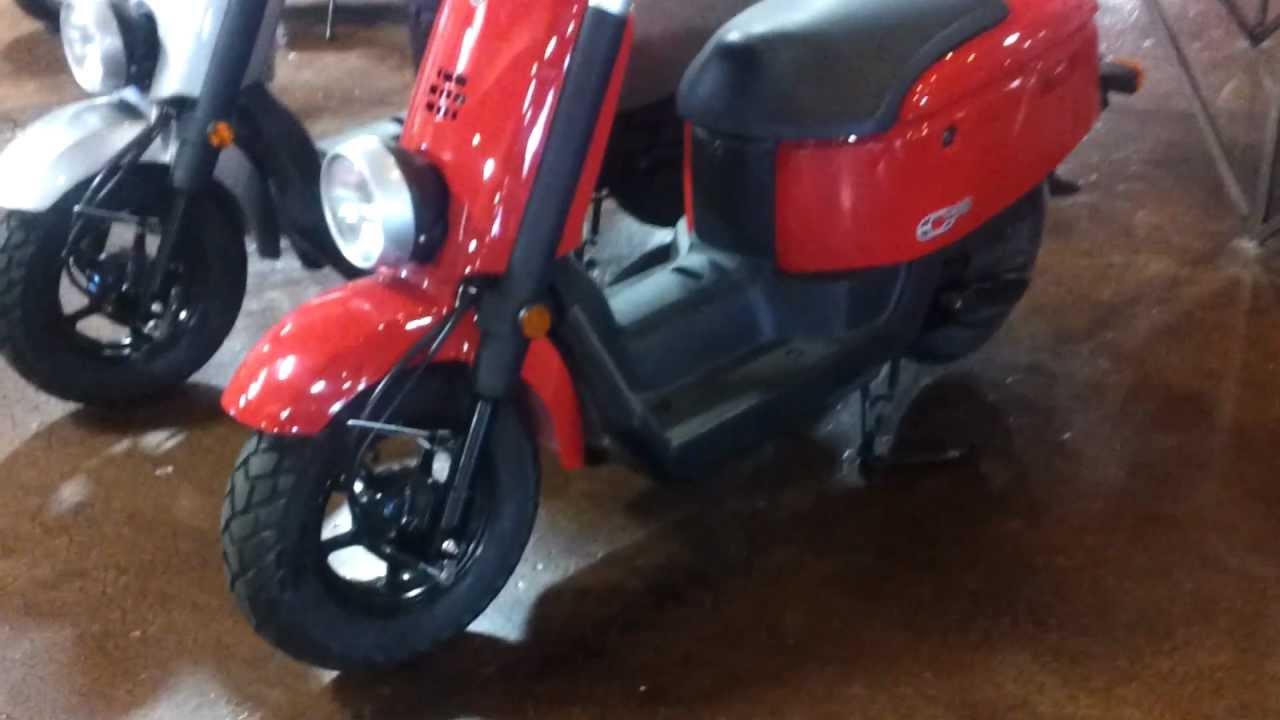 2011 Yamaha C3 Scooter 49cc Walk Around/ Review Moped