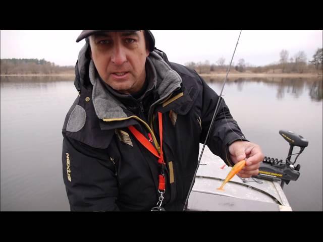 Весенний лов с лодки