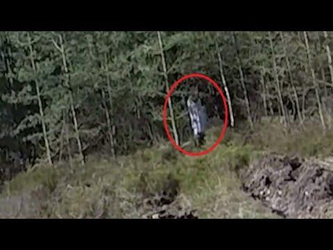 MENGERIKAN! Kamera Drone Tak Sengaja Merekam Sosok Penampakan Di Hutan Angker!