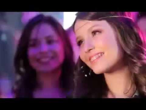 Larissa Manoela - Fugir Agora - YouTube e4e15e3a45
