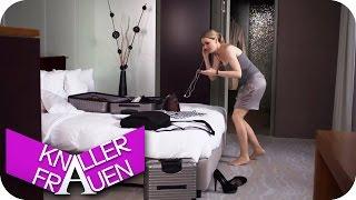 Neue Strümpfe - Knallerfrauen mit Martina Hill | Die 3. Staffel in SAT.1