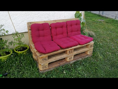 diy-comfortable-pallet-couch-built-in-one-hour---with-sloping-backrest