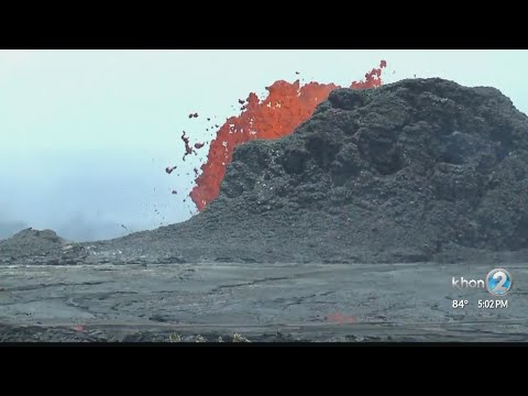 Lava flows enter ocean, fed by active fissures along East Rift Zone