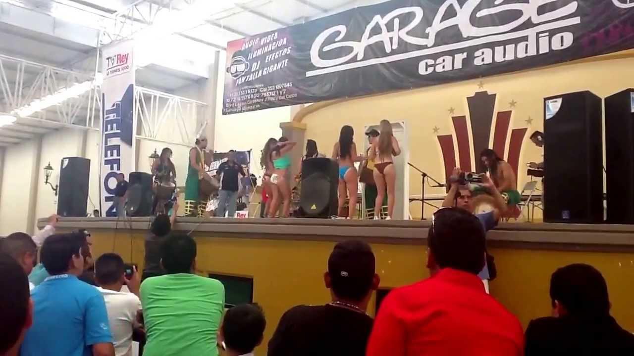 cae show Bikini