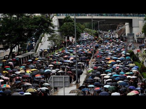 شاهد: المعلمون يؤيدون الحركة الاحتجاجية في هونغ كونغ رغم العواصف الرعدية…  - نشر قبل 3 ساعة