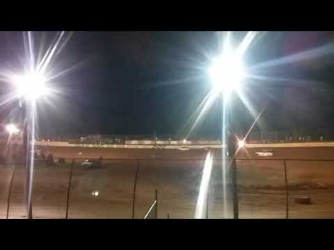 Outlaws pony class Sunday night race at duck river speedway park