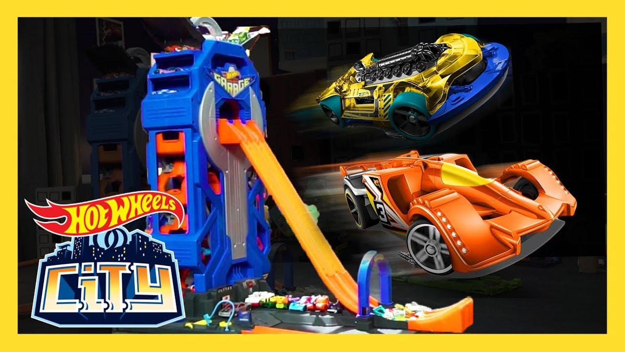 Huge Jump At The Mega Garage Hot Wheels City Hot Wheels Youtube