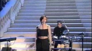 Matia Bazar - Brivido caldo - Sanremo 2000.m4v