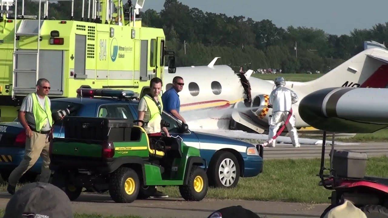 jack roush beechcraft premier jet crashes in oshkosh. Black Bedroom Furniture Sets. Home Design Ideas