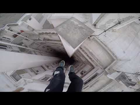 Run & Escape on the roofs - Parkour Pov