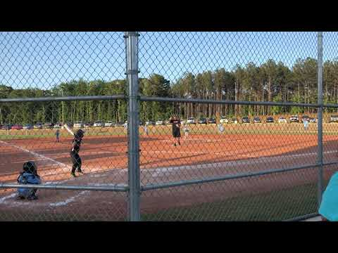 Marucci Cat 7 26/16 6 year old hitting 175 foot fence