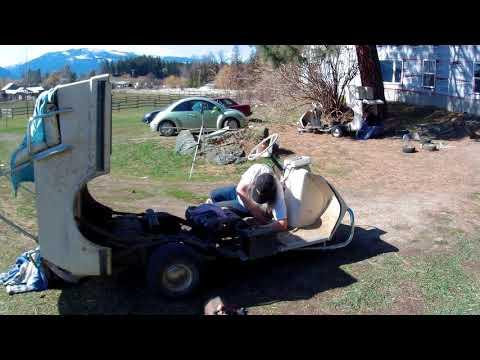 harley-davidson-1978-golf-cart-restoration-(8);-replacing-bad-airhorn,-flat-tire-and-starter-belt.
