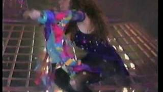 Watch Gloria Trevi A Gatas video