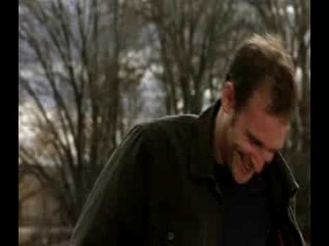 Josh Lucas laughing around the bend