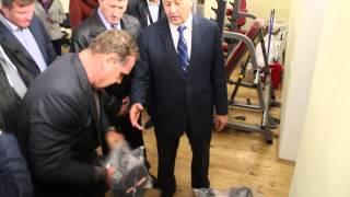 Олег Грищенко показал губернатору свои физические возможности
