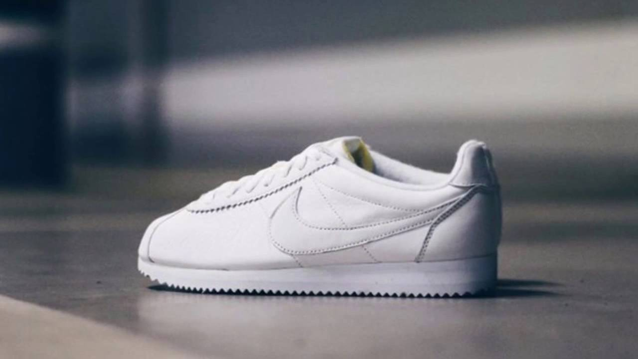 huge sale 87397 cedc6 NIKE CLASSIC CORTEZ LEATHER WMNS (WHITE/WHITE) - YouTube