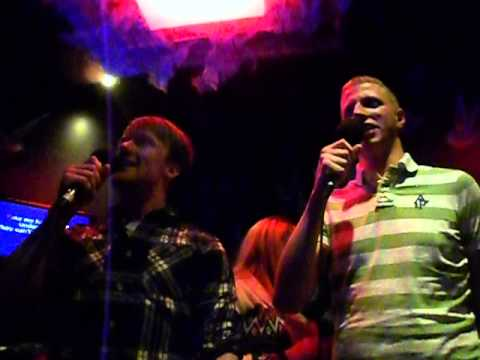 Robert & Tom - Karaoke =D