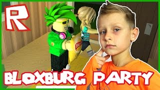 Fruit Party with GamerGirl in Bloxburg / Welcome to Bloxburg / Roblox