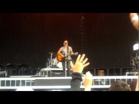 bruce-springsteen---i'll-work-for-your-love-(helsinki-2012-07-31)
