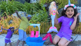 Barbie swimming pool adventure!! Sally Ultimate push Dad in the swimming pool