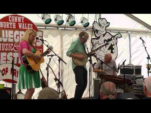 Jeni and Billy Chicken Ridge - Conwy 2014
