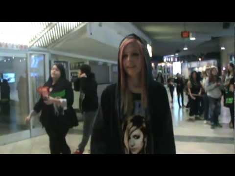 Avril Lookalike 3 2011 Black Star Concert Tour