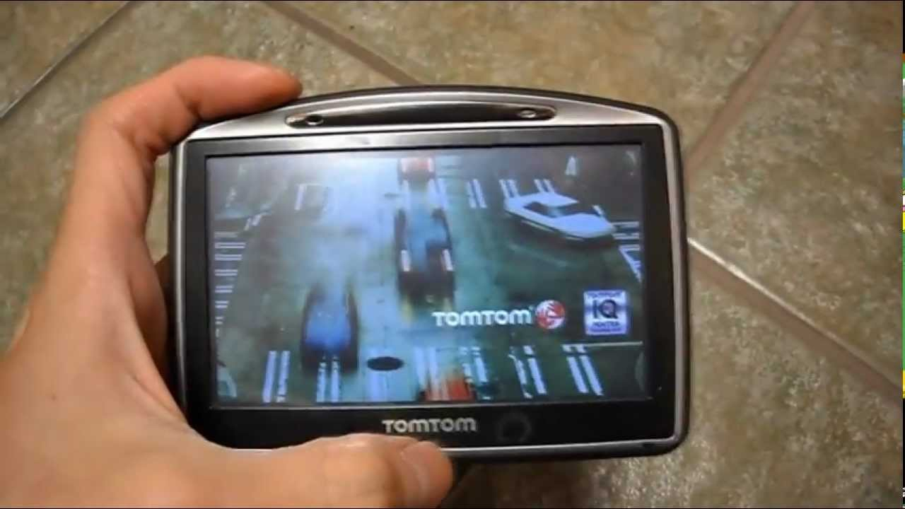 Review TomTom Go 730 GPS Blue Tooth FM tuner Text to speech spoken roads  turn by turn navigation