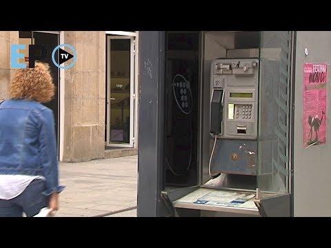 Cabinas telefónicas, de imprescindibles a rara avis