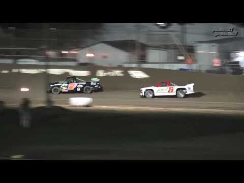 Fremont Speedway Jim Ford Classic Dirt Truck Feature - 9/16/17