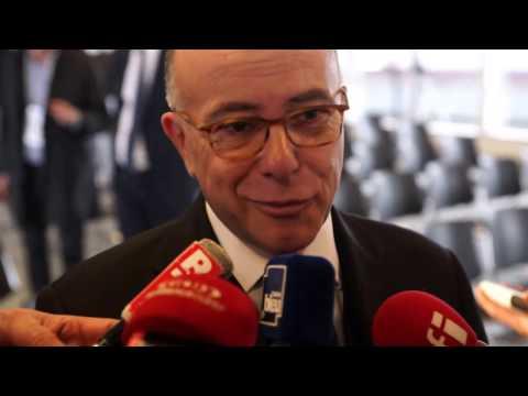 Réveil-FM: Candidat à rien,  Bernard Cazeneuve est PM jusqu'à la fin de ses missions !