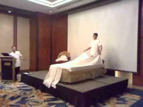 standard bed making procedure in hotel 2