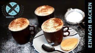 gefüllte Schokoladen Kaffeetassen mit Mocca- und Vanillecreme Füllung