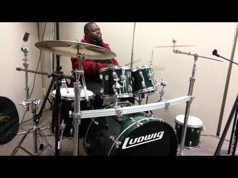 """Buggie """"Paul Edwards""""giving us a little something @ East Coast Drums"""