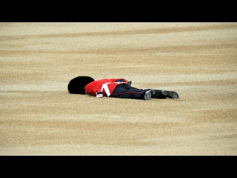 Man Down! Member Of Queen's Guard Faints During Birthday Ceremony