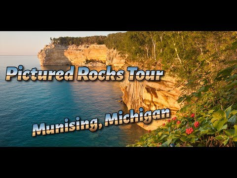 Pictured Rocks National Lakeshore - Must see in Michigan Upper Peninsula