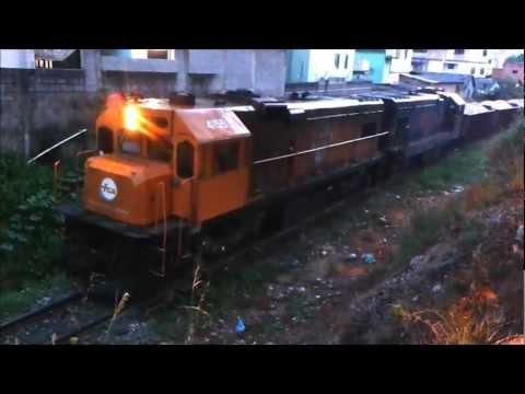 Trem FCA na rampa do Terminal de Campo Grande, G12 acelerando forte