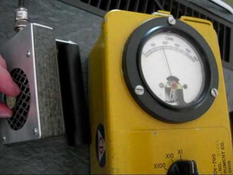 Gamma Scout vs. CD V-700 with pancake probe feat. Uranium, Trinitite, Strontium 90