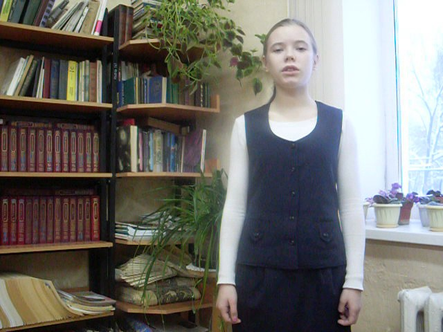Изображение предпросмотра прочтения – АннаЩербакова читает произведение «Это было в мае на рассвете» (Рублев Георгий)