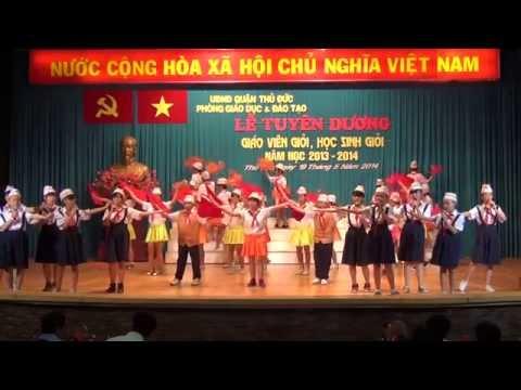 Hoa thơm dâng Bác & Tiếp bước cha anh, làm nghìn việc tốt - Đội văn nghệ trường THCS Lê Văn Việt