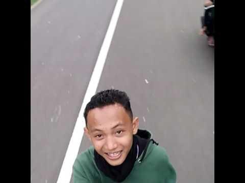 Berjalan jalan