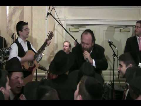 Yehuda Green Comes To Ateres Avrohom And Joins A 9 Piece Ieshula Ishakis Orchestra.mp4