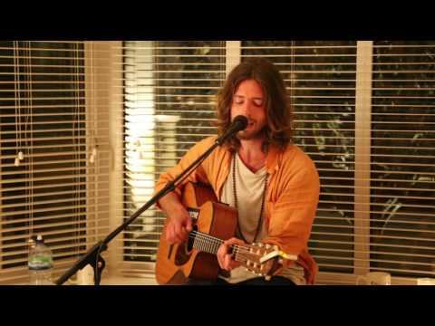 Sam Garrett - Too blessed to be stressed (Live From A Living Room)