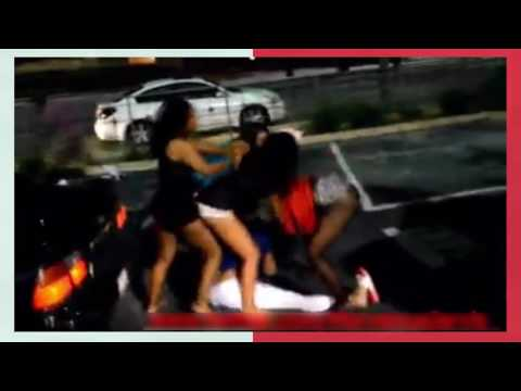 Super fight of prostitutes on the street -real street fights thumbnail