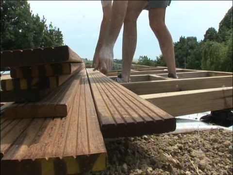 terrasse en bois construisez la vous m me youtube. Black Bedroom Furniture Sets. Home Design Ideas