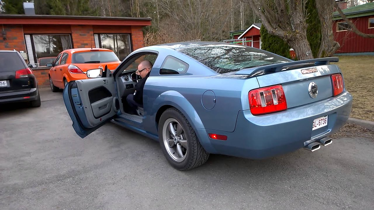 ford mustang gt 2005 v8 with saleen cat back sounds youtube. Black Bedroom Furniture Sets. Home Design Ideas