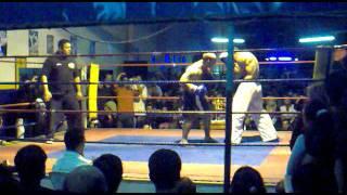 taekwon-do vs. kick boxing Carlos gutierrez vs Wilmar Neira (segundo round)
