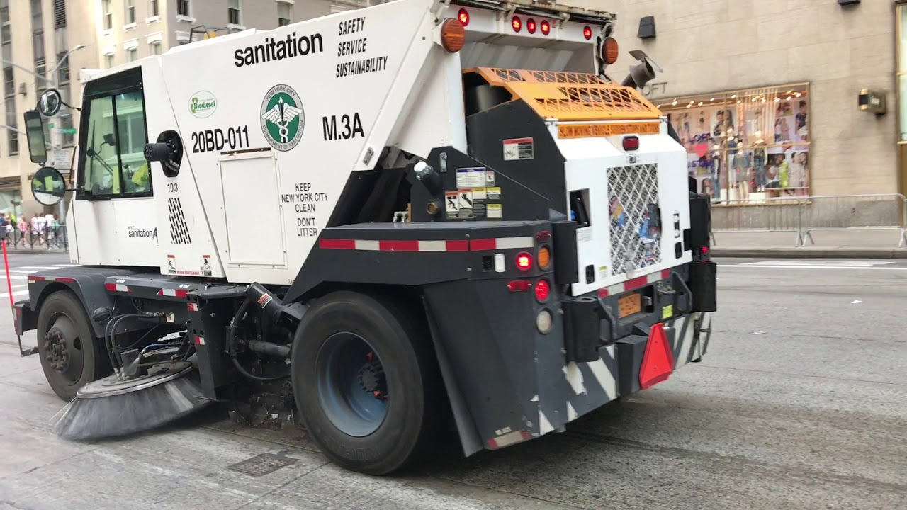 DSNY NEW YORK DEPARTMENT OF SANITATION CLEANING UP AFTER A - Nyc street sweeping map