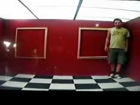 Optical illusion from Barcelona - Science experiment